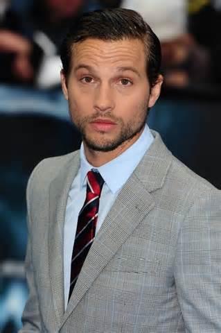 Logan Marshall