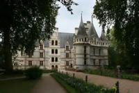 How The Chateau D'azay Came To Be Built