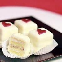 Cakesandfrostings - Cake Petit Fours
