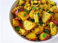Indian - Vegetable -  Aloo Gobi (indian Potatoes And Cauliflower)