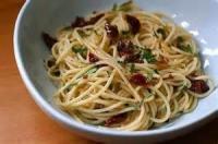 Italian - Pasta -  Pasta Aglio Olio E Peperoncino