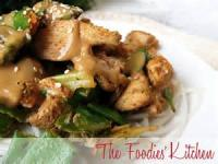 Pasta And Pastasauces - Asian -  Chicken And Noodles With Peanut Sauce