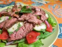 Salads And Dressings - Beef -  Peppered Beef With Tomatoes And Red Onion